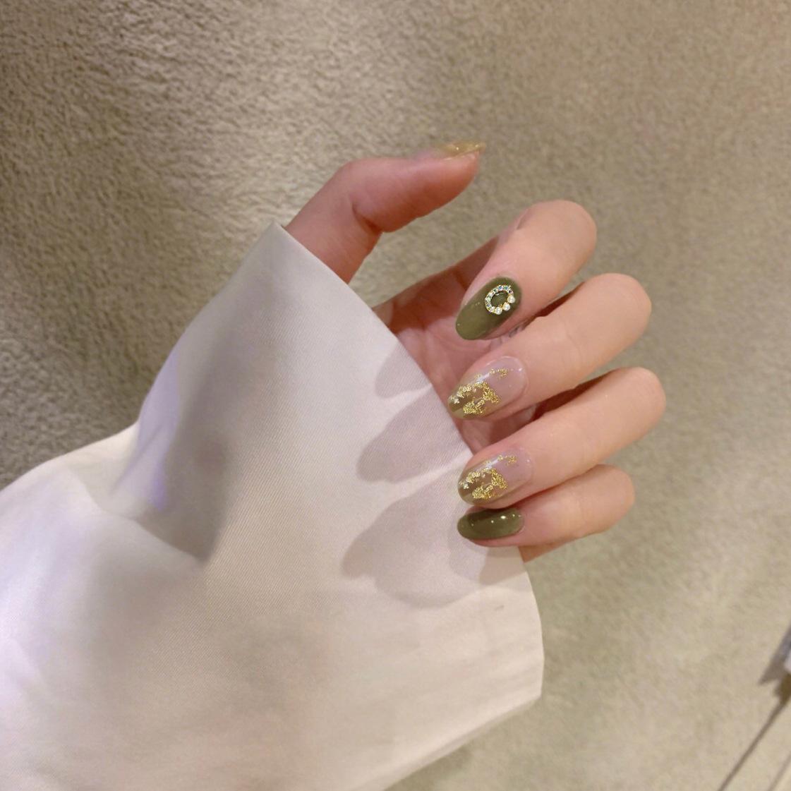 显白美甲贴片成品甲片夏天卡其绿色渐变小清新金箔日系气质假指甲