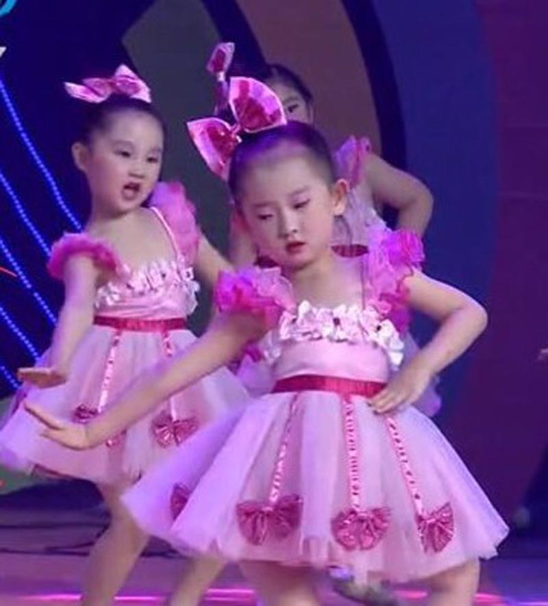 儿童舞蹈蓬蓬连衣纱裙演出服幼儿园可爱粉裙女童公主裙合唱表演服