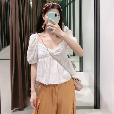 2019新款女士  白色短款镂空刺绣甜美可爱上衣