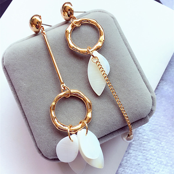 Japanese and Korean temperament female simple and versatile shell piece Earrings Korean asymmetric style jewelry student Earrings long