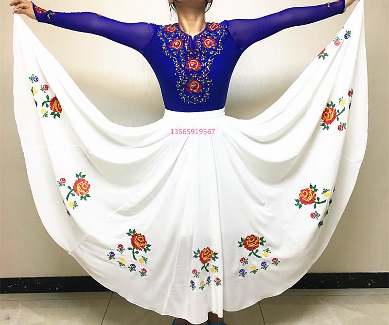 新疆衣服女士舞蹈演出半身裙子绣花广场舞大摆民族长裙子衣服绣花