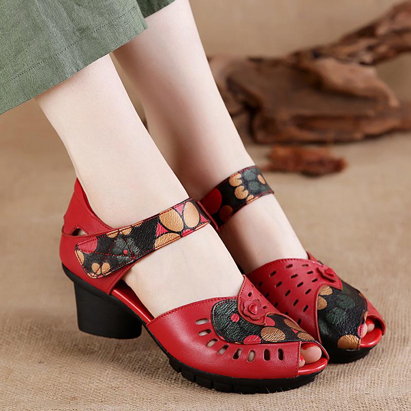 夏季新款民族风女凉鞋鱼嘴真皮妈妈鞋镂空花朵软底中跟中老年女鞋