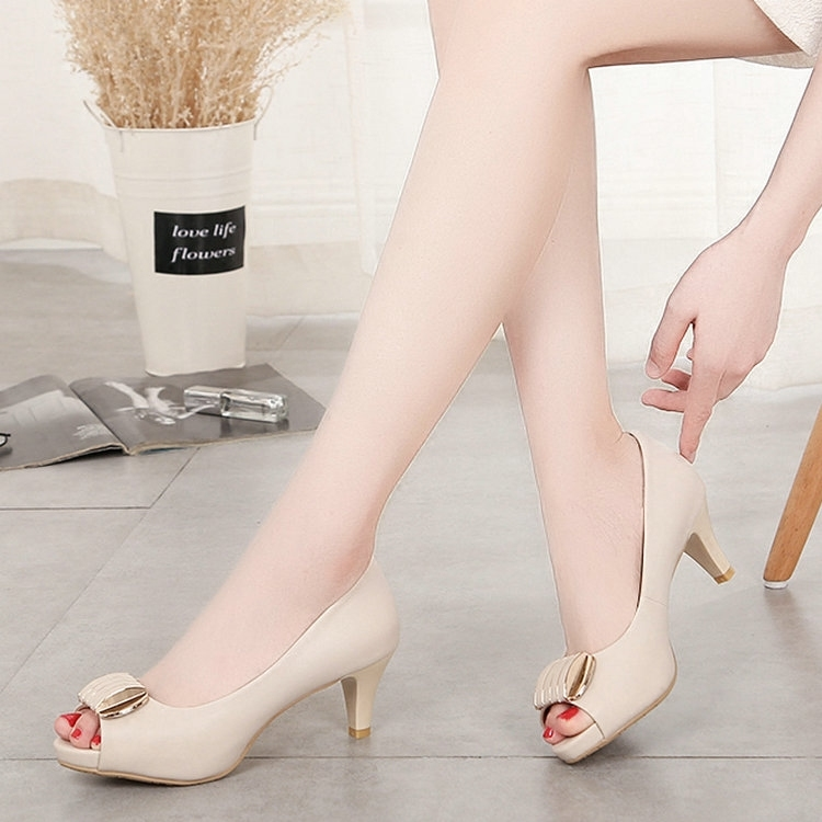 Summer 2020 new womens shoes versatile professional white collar work ol high heeled fish mouth middle heel thick heel sandals single shoe women