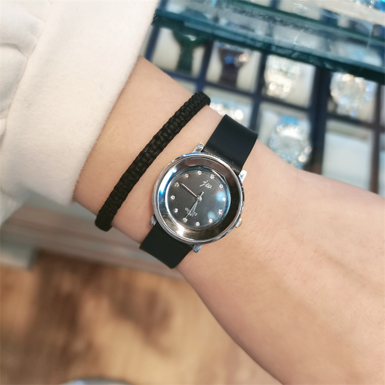 Dress you ~ 2020 new mens and womens personality simple big digital rubber strap big dial fashion watch