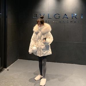 大毛领收腰白色冬季2019年新款棉服