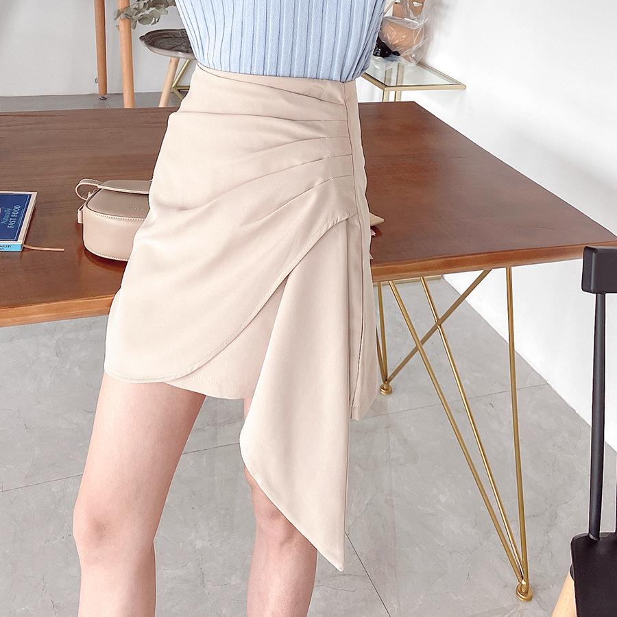 New summer 2020 womens high quality three-dimensional cutting temperament irregular pleated skirt high waist fashionable shorts