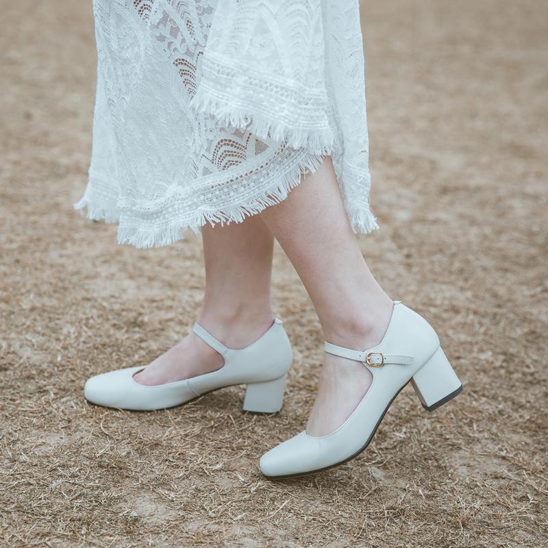 唐某某粗跟玛丽珍鞋女复古中跟单鞋2020春款百搭方头一字扣女鞋子