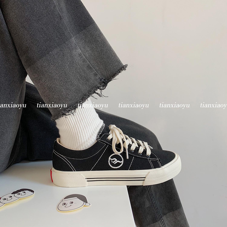 黑色帆布鞋女ulzzang2020新款秋冬韩版学生百搭鞋子板鞋平底ins潮