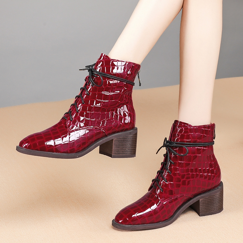 2020秋季新款短靴女粗高跟系带马丁靴英伦亮面漆皮石头纹真皮女靴