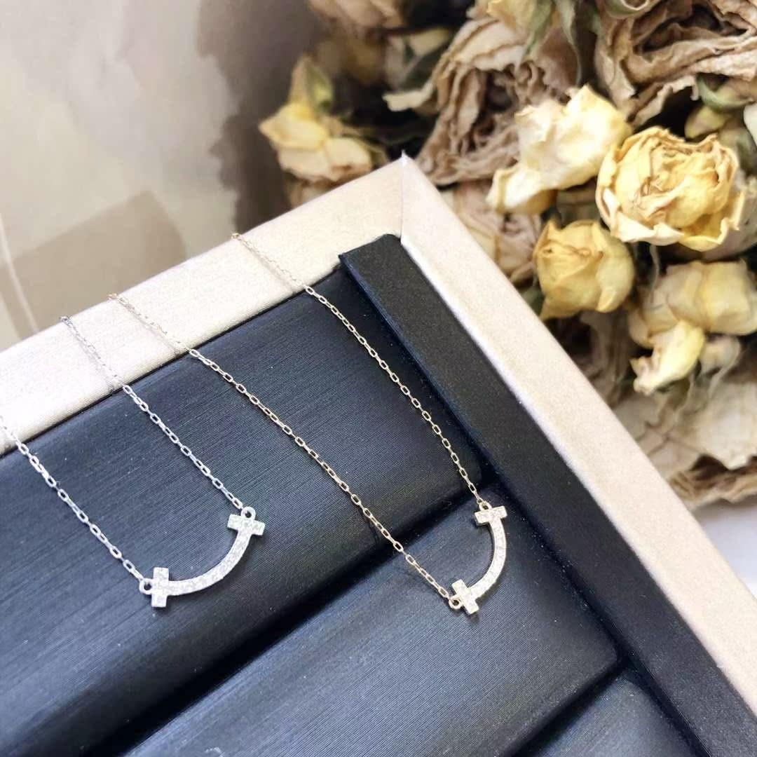18K白金黄金微笑项链日本轻奢珠宝只要钻石0.06ct,链长40厘米