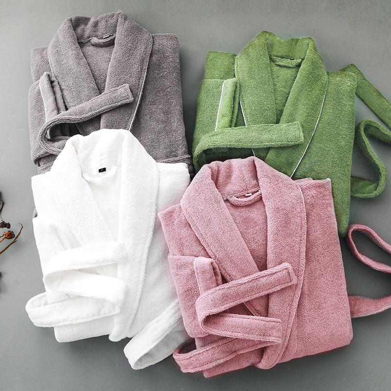 ホテルのバスローブの男女純綿のタオルの材料は厚い寝衣をプラスします。秋冬のカップルの長さの全綿の吸水速乾浴衣です。