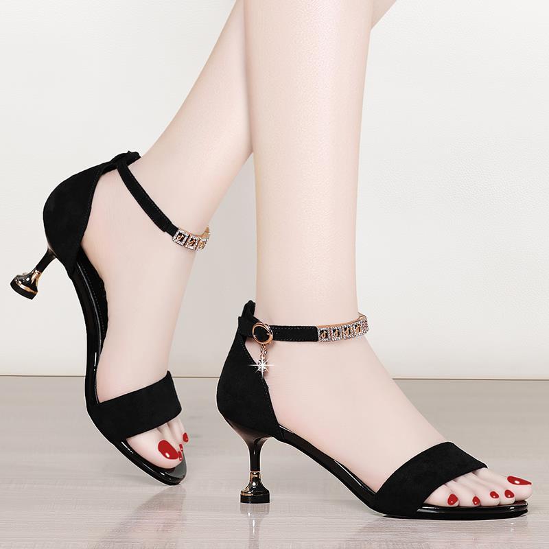 高跟凉鞋女细跟2019夏新款一字扣猫跟百搭性感中跟女鞋17