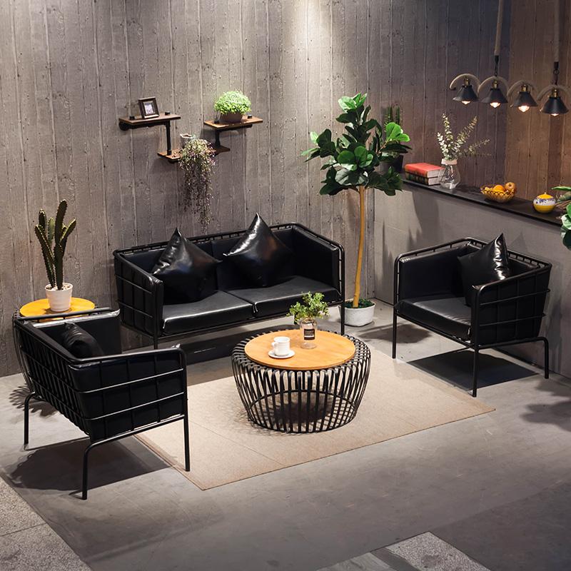Нордический промышленность железо диван кофейный столик сочетание простой современный loft работа комната одежда магазин моно,парный диван трёхспальный