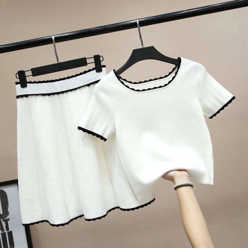 night shop短袖上衣百褶半身裙