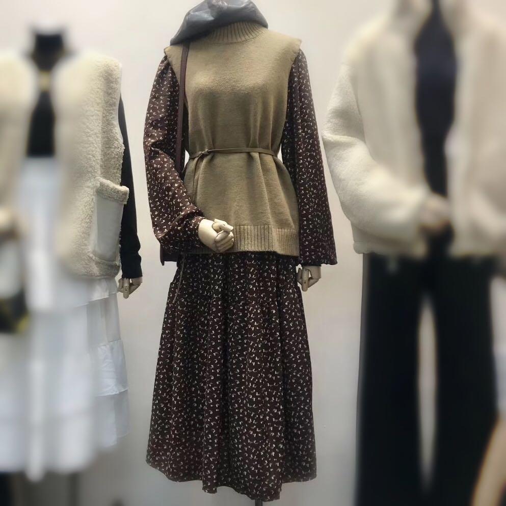 连衣裙女韩国碎花打底连衣裙时尚纯色针织马甲秋两件套气质淑女