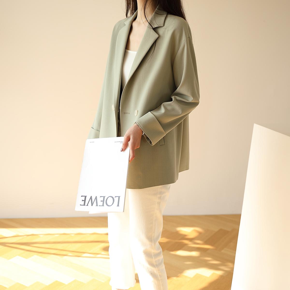 2020休闲小西装外套女夏薄款设计感韩版英伦风西服短款小个子上衣图片