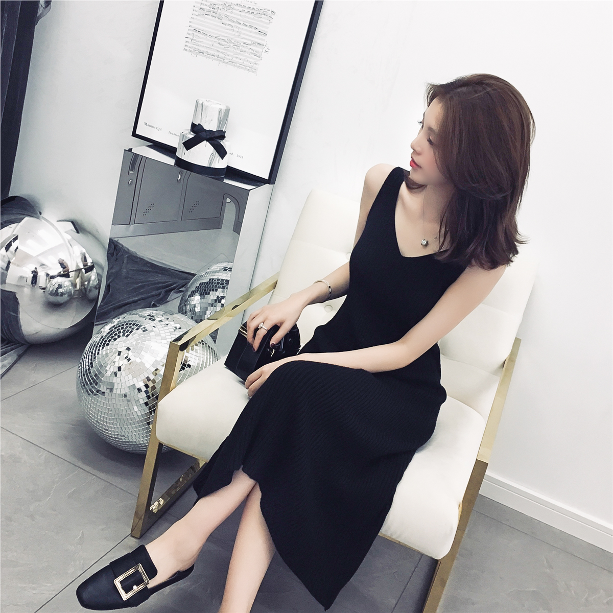 秋装2018新款中长款V领针织吊带黑色背心连衣裙chic女装A字打底裙