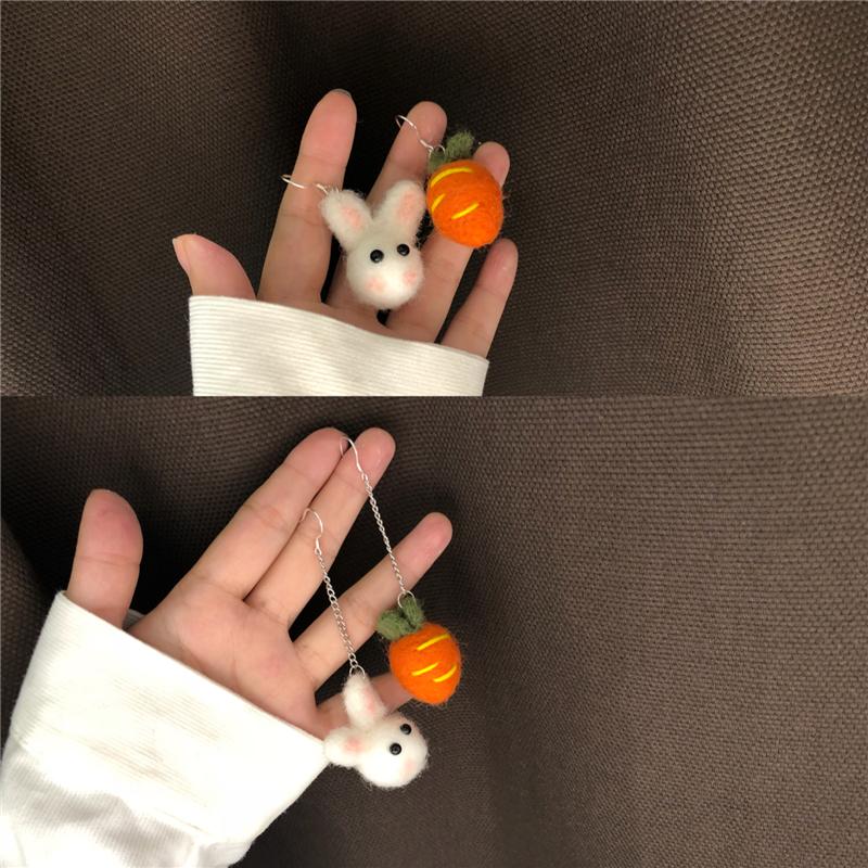秋冬羊毛球耳环不对称长款S925纯银耳钩胡萝卜兔子毛绒绒温暖耳夹12月02日最新优惠