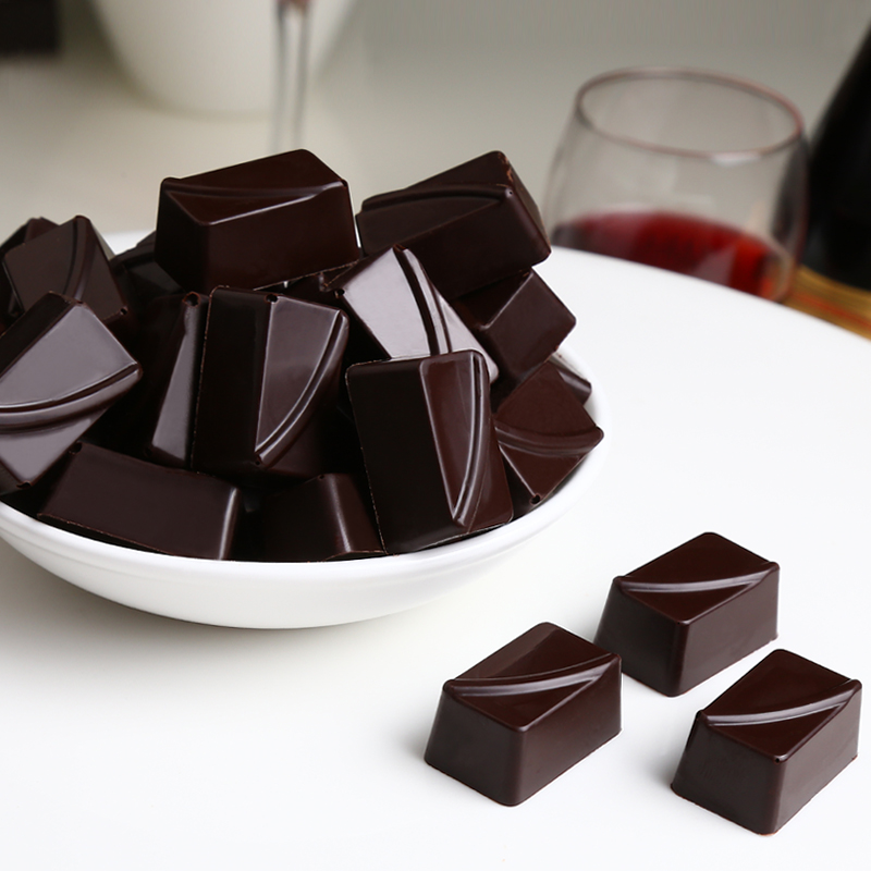 100% cocoa sugar free dark chocolate is very bitter. Give the elderly bulk snacks 250g. Shoot three and get one free