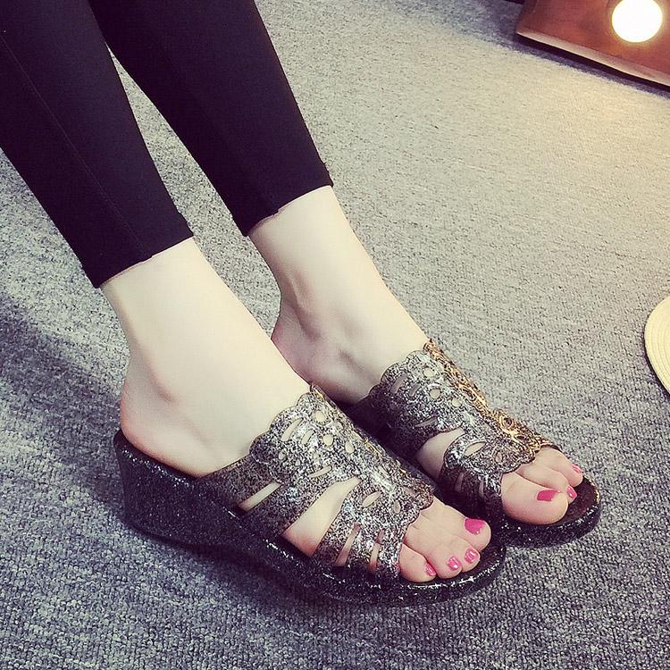 (用41.1元券)夏季新款拖鞋 女 水晶高跟凉拖鞋坡跟一字拖室内洗澡鞋沙滩洞洞鞋