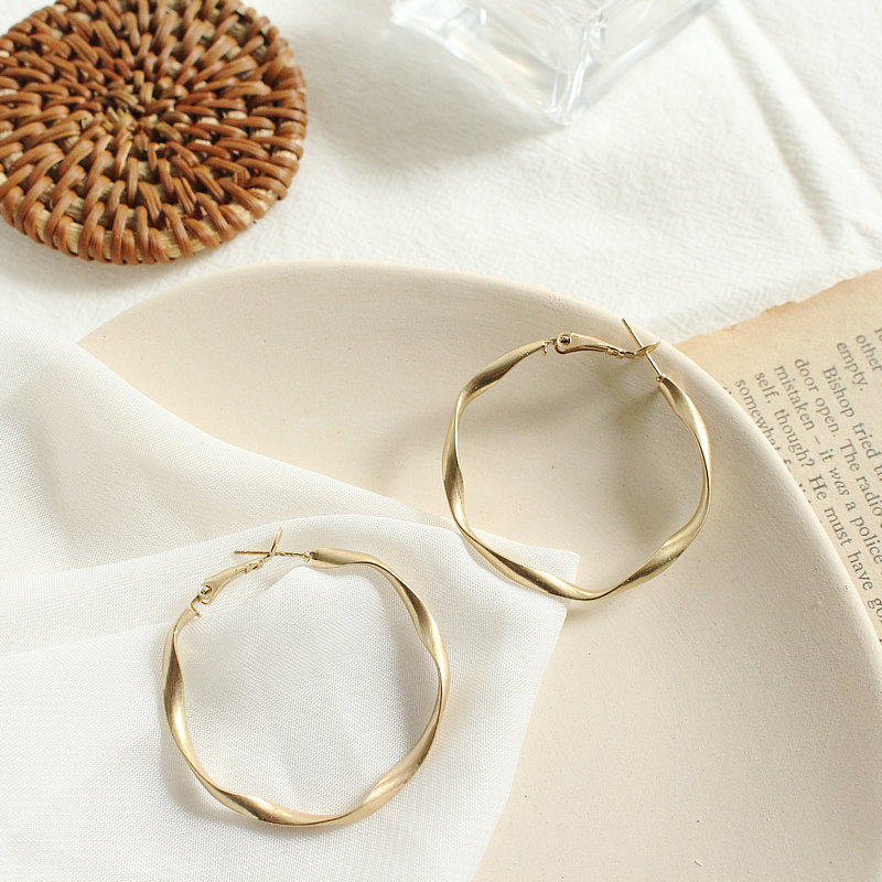 S925 new Korean metal cool wind simple twisted Earrings matte fog face fashion personality Half Round Earrings