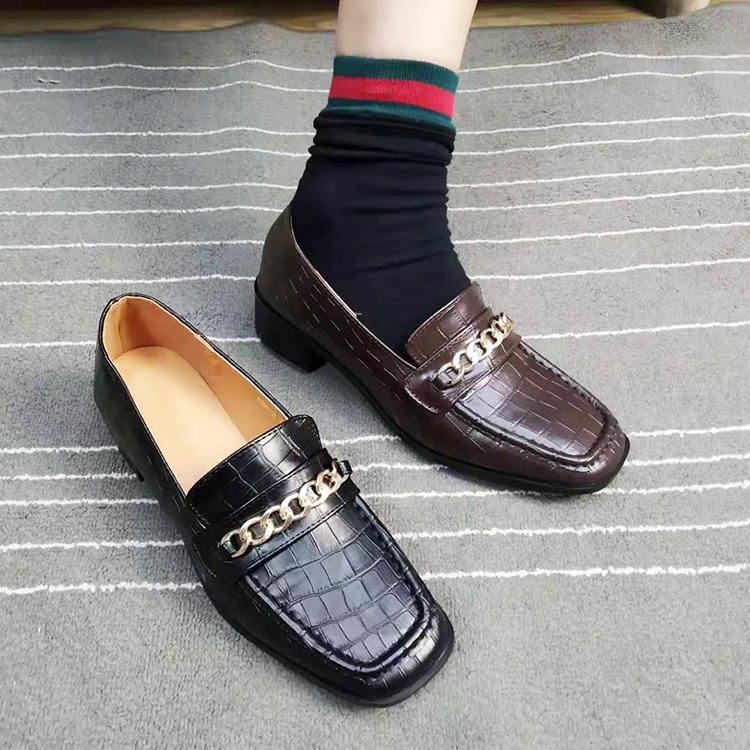韩国INS官网低跟鳄鱼纹单鞋复古方头女鞋学院风链条小皮鞋懒人鞋