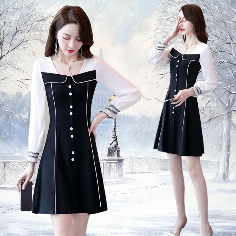 泡泡袖白色连衣裙