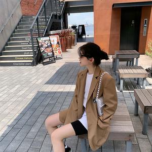 2019早秋新款女装网红卡其色宽松小西装黑色休闲复古上衣时髦外套