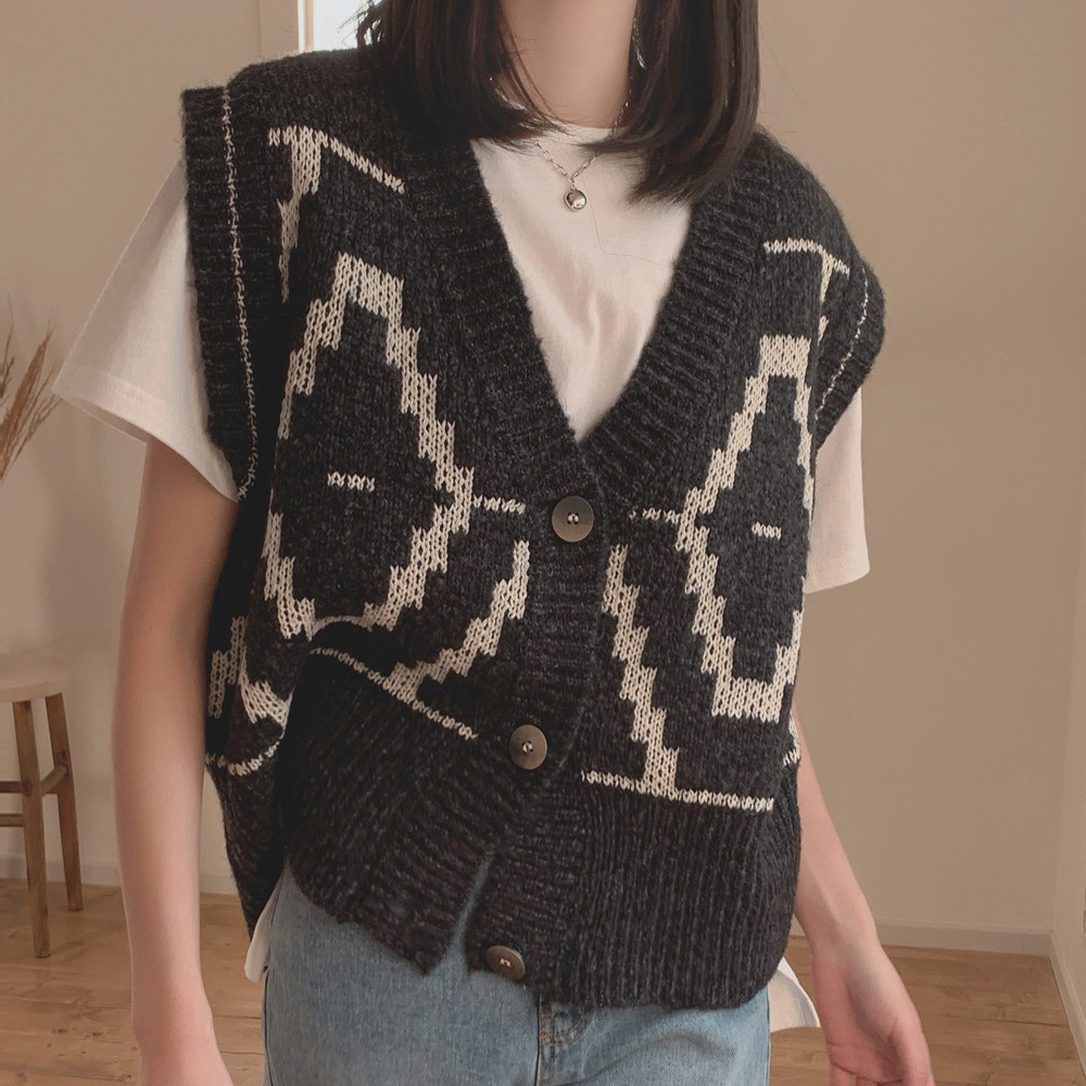 Korean official website 2021 spring new retro national pattern knitted button cardigan vest sweater