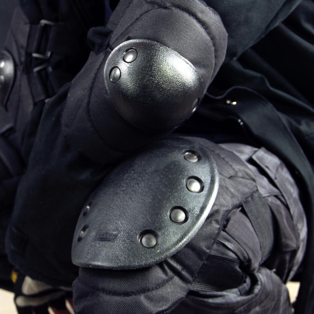 Бесплатная доставка по китаю черный Eagles Outdoor Army Fans Tactical Knopsad Reality CS Pulley Riding Safety Защитная защитная стойка 4 предмета