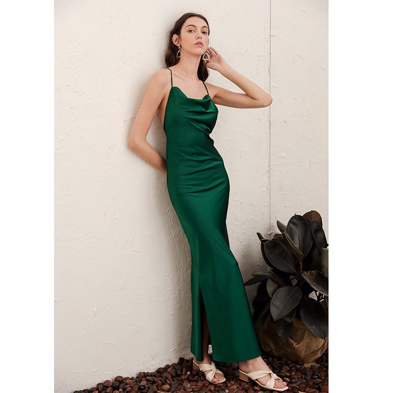 露背长裙子2021新款夏季女装长款法式复古气质丝滑缎面吊带连衣裙