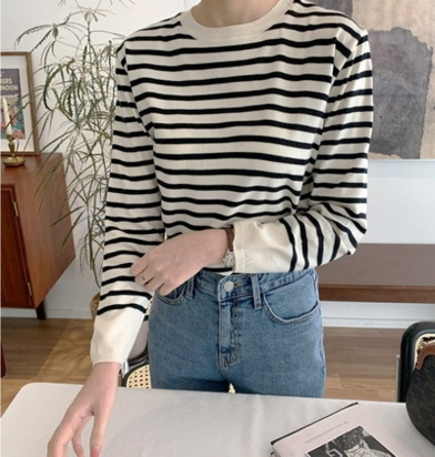 In February of the 21st spring, mimidi South Korea purchased simple basic striped round neck long sleeve T-shirt (0204)