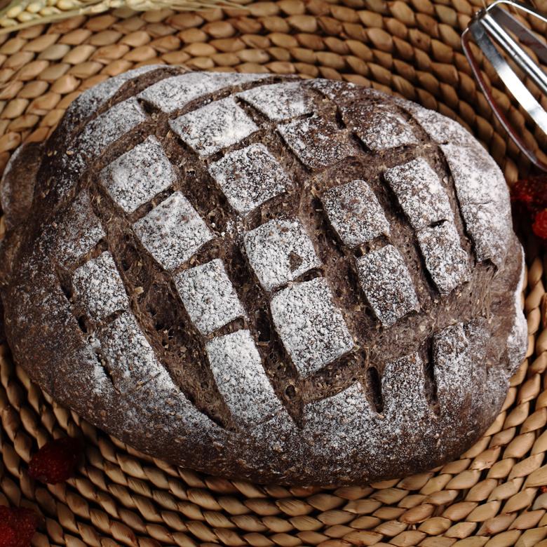全粒粉のチョコレートイチゴチーズをサンドしたベーカリーで作ったソフトオルメッシュオフィスのお菓子です。