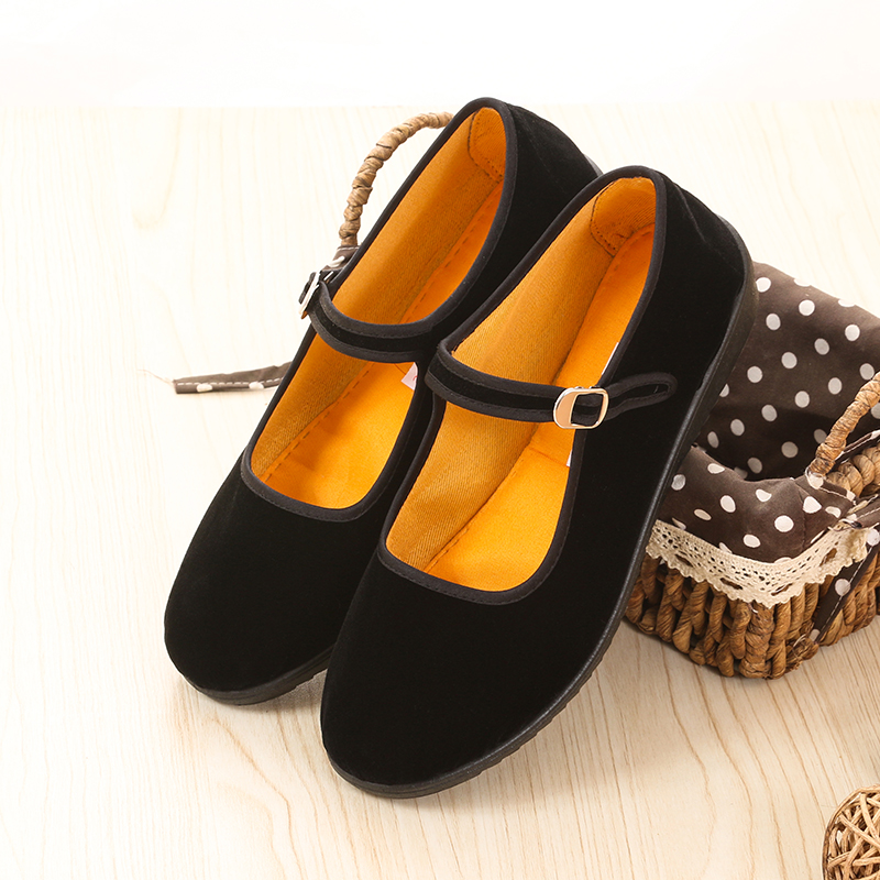 Old Beijing cloth shoes middle aged people go to work black soft sole flat heel velveteen dance waterproof platform thick