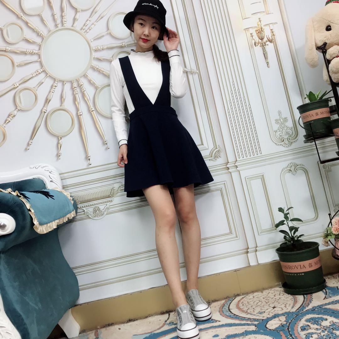 【大�t花定制】新款女�b�色上衣加背��裙�杉�套D171263
