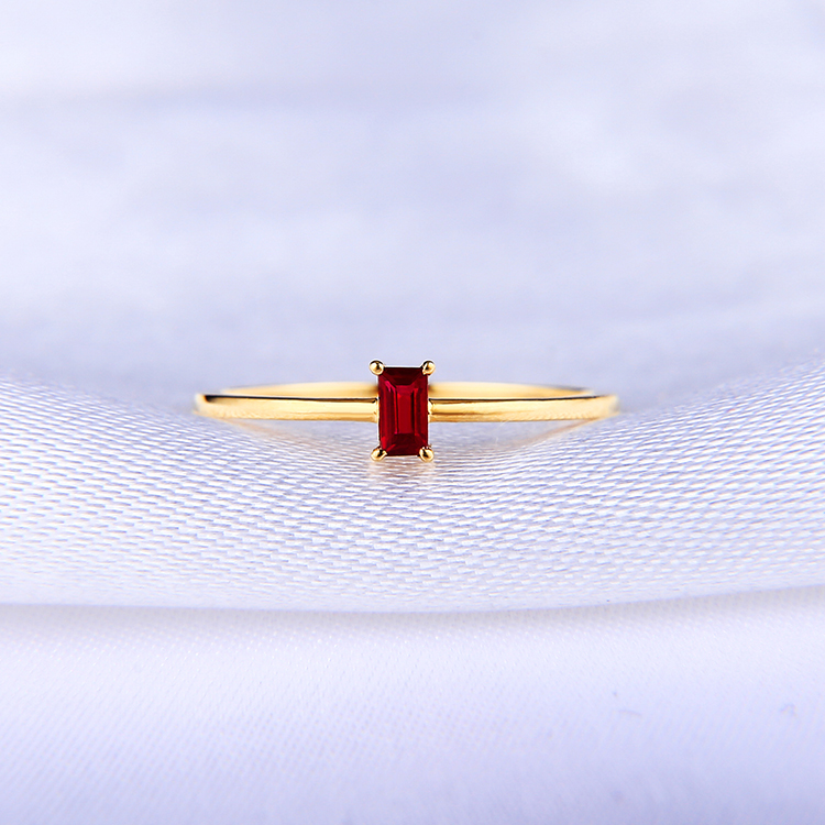18K natural ruby ring pigeon blood red female ring small fresh color treasure rectangular ring