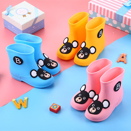 Rubber shoes boots little girl rubber cover mud jump puddle childrens rain shoes water boots slippery thick bottom Paiqi bucket water shoes woman treasure