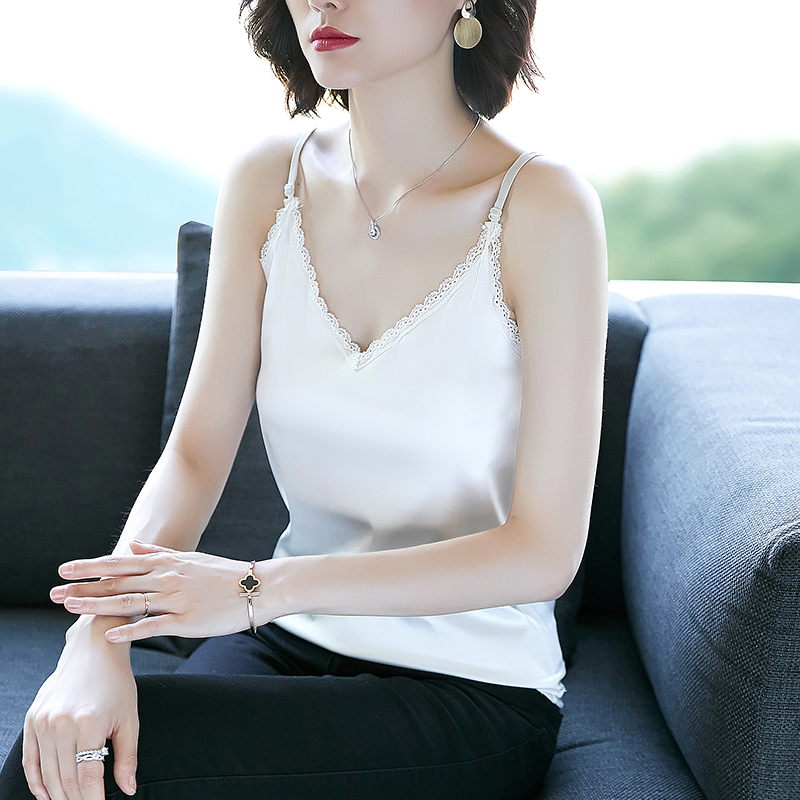Suspender vest for womens new summer 2020 outer wear suit with lace stitching V-neck underclothing silk satin