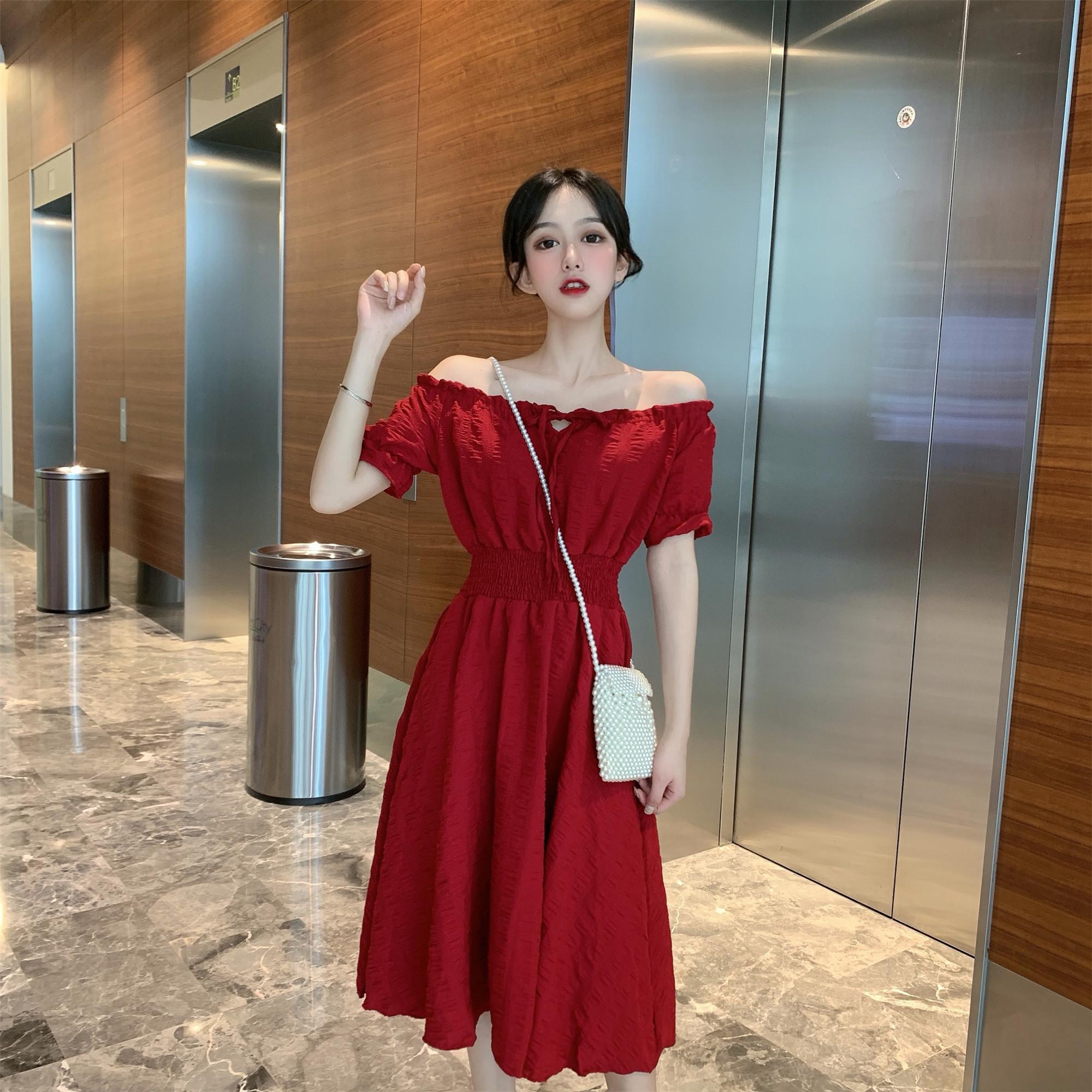 实价新款纯色收腰显瘦中长款一字领短袖连衣裙