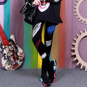 时尚打底裤女外穿百搭个性彩色带图案印花长裤2019新款潮流小脚裤