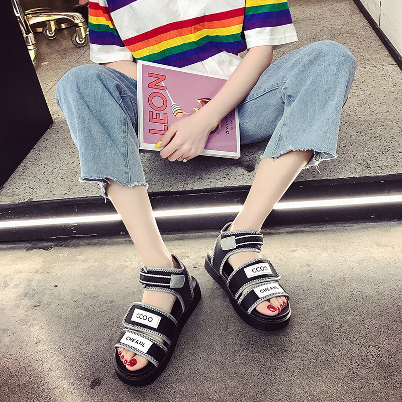 Sports sandals womens new summer 2020 versatile ins hot shoes fashion flat bottom Roman beach shoes chic