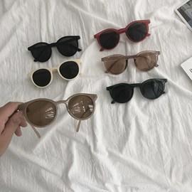 网红墨镜女ins2020新款韩版潮太阳眼镜复古港风搞怪可爱圆脸街拍图片