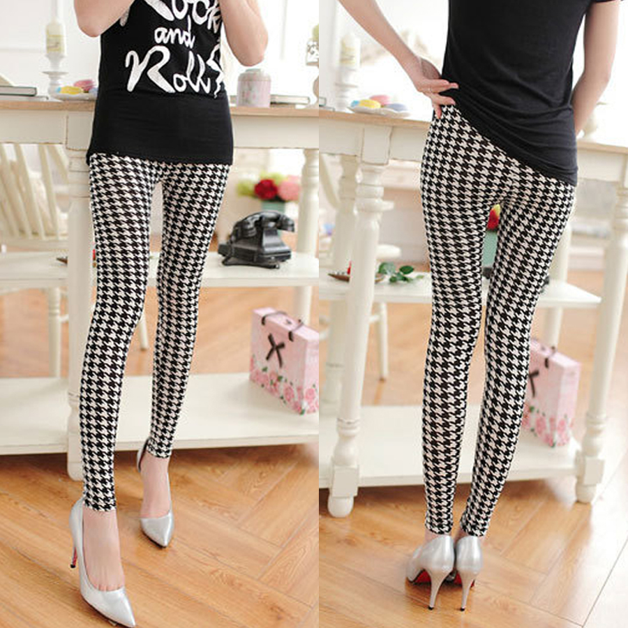 Large womens small legged Leggings qianniao check black and white check Capris with thin print for autumn and winter