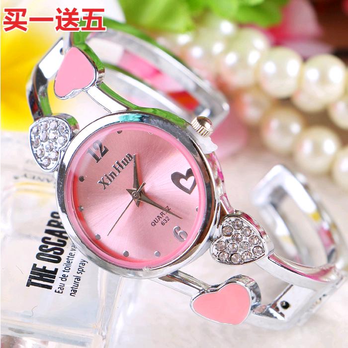 韩版爱心轻奢开口式手镯表防水钢带个性潮流女士学生流行石英手表