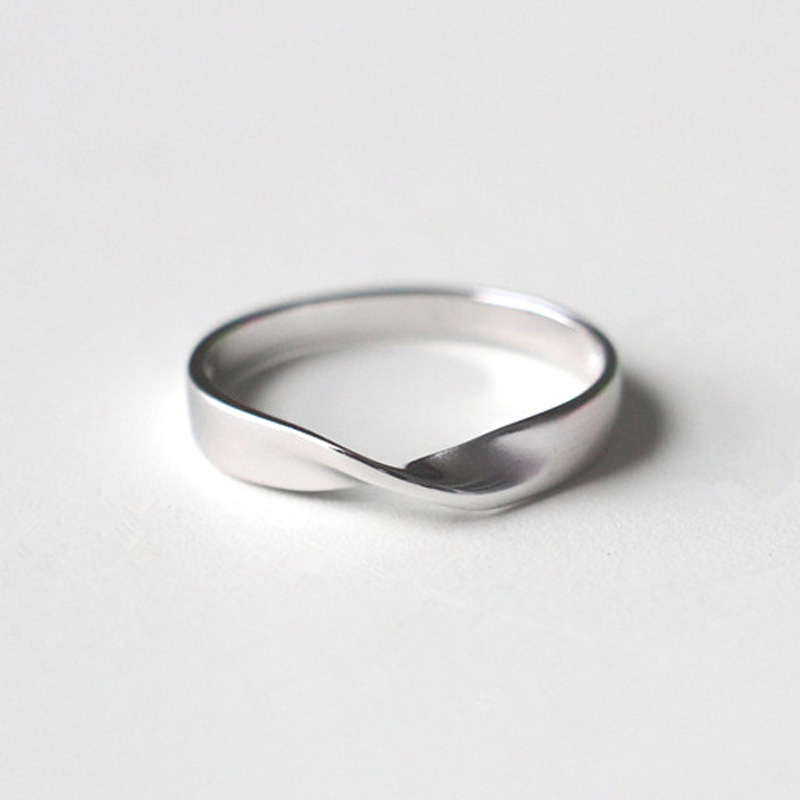 39.00元包邮免费刻字S925纯银磨砂莫比乌斯环戒指简约情侣对戒戒指指环男女