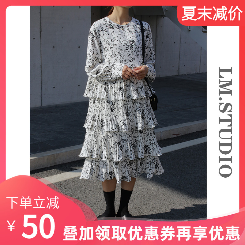 Korean version of chic early spring and autumn 20 new pleated cake skirt womens Ruffle Skirt small floral French dress
