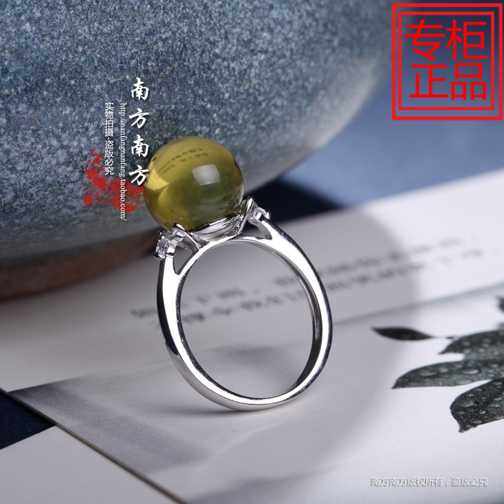 0429 throbbing silver jewelry natural amber water blue Po womens hand retro wind forest ring