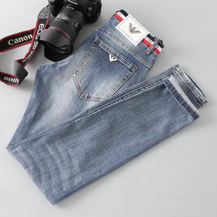 ?#20998;?#31449;小脚青年牛仔裤?#21512;?#34180;款男修身小直?#37096;?#23376;浅蓝色高档长裤潮
