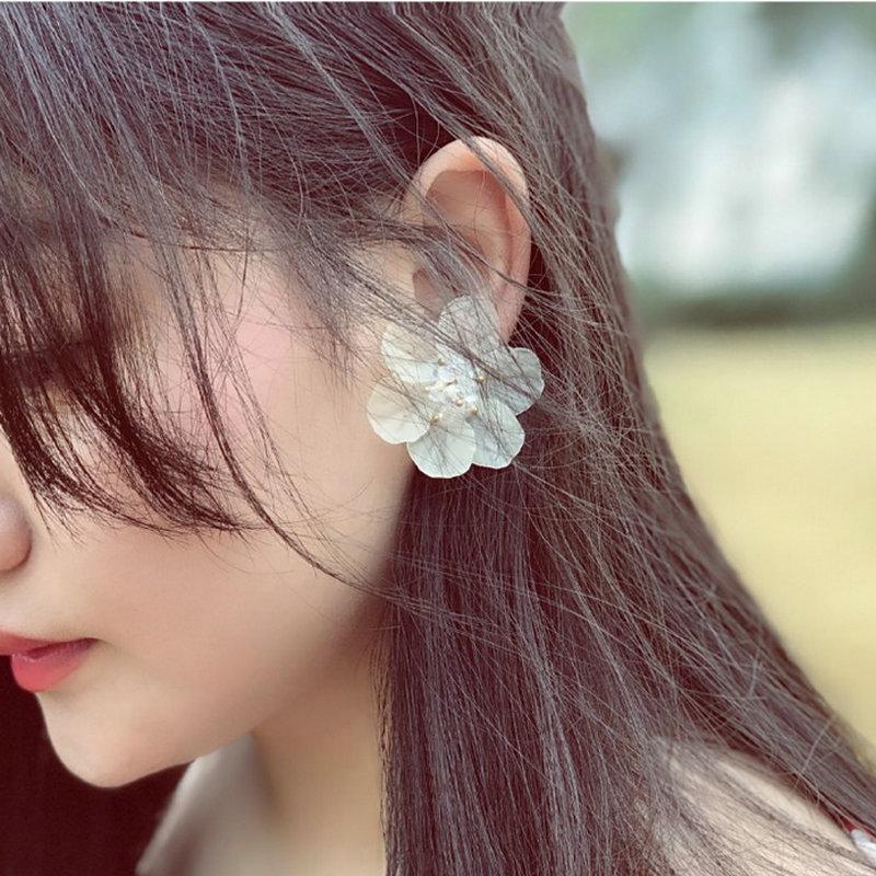 欧美优雅花朵耳钉