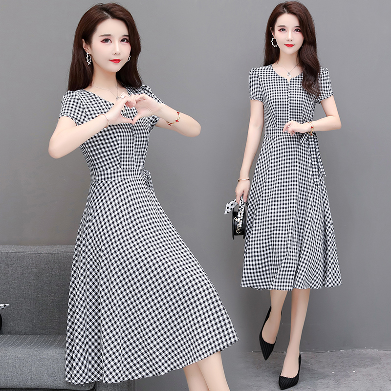 Temperament Plaid Dress womens 2020 summer new style waist cover belly show thin big size ladys knee long skirt